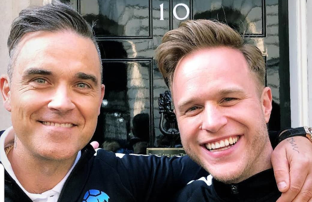 Robbie Williams se rend chez Theresa May
