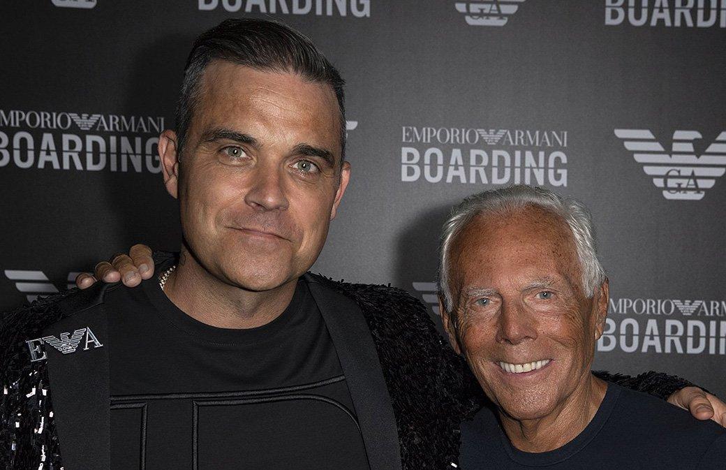 Mode : Robbie Williams chante pour Armani à Milan - Setlist